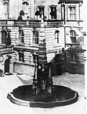 Symbolik im Allgemeinen und im weiteren Sinne Aschrottbrunnen