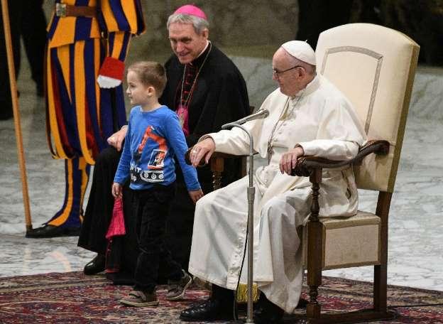 Symbolik rund ums Auge - Seite 8 Papstaudienz_drei_monde
